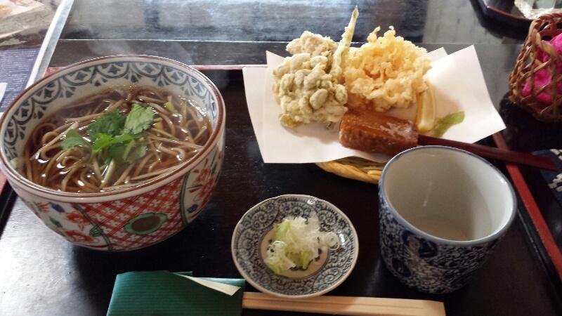 福島の郡山にある古民家そば「隆仙坊」の天ぷらそば