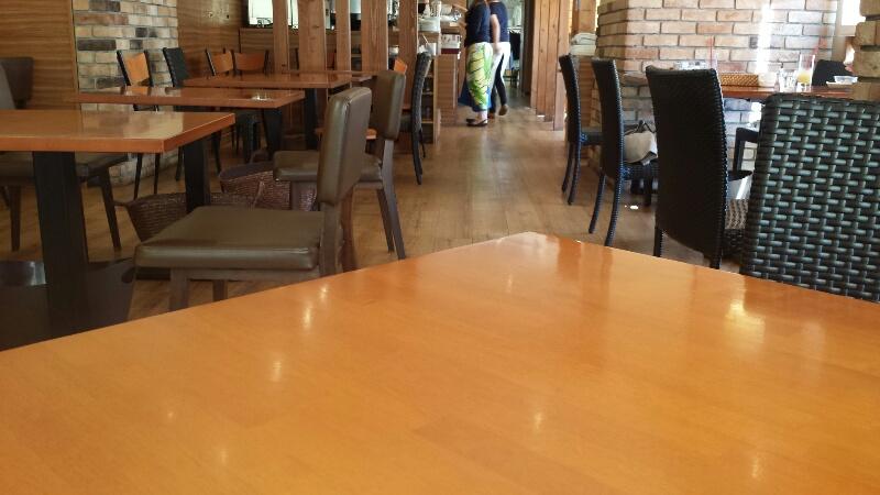 本八幡のハワイアンカフェカウカウ KauKauの店内